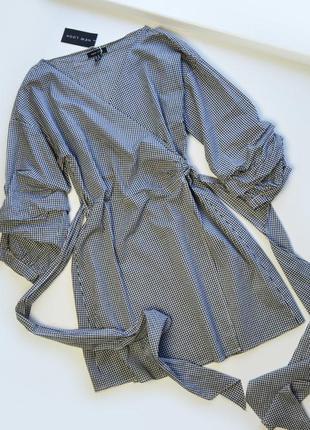 Стильное платье в клетку с красивыми рукавами и поясом хлопок