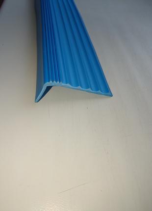 Противоскользящая резиновая накладка на ступени (50х20 мм)
