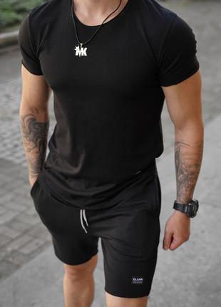 Футболка мужская приталенная- черный цвет