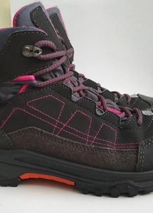 Демисезонные ботинки lowa gore tex р.36