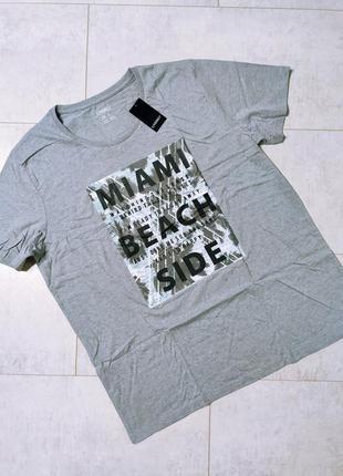 Классная мужская футболка с принтом
