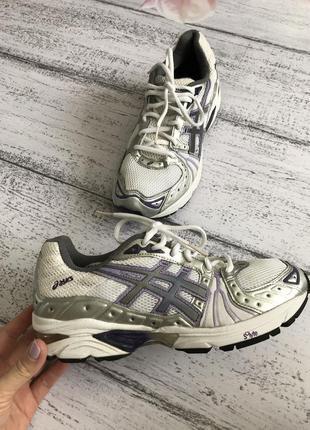 Крутые легкие кроссовки asics размер 39