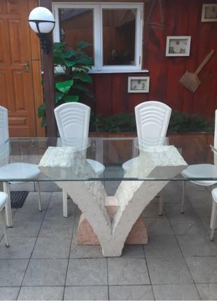 Каменный обеденный стол со стульями