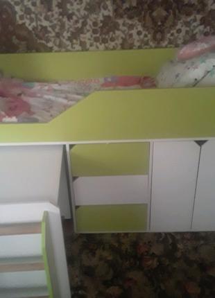Продаётся кровать детская +матрас в подарок