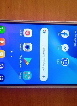 Телефон Samsung J3 (SM-J320H)