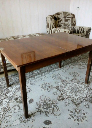 Продам раздвижной обеденный стол