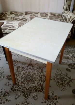 Продам стол обеденный кухонный