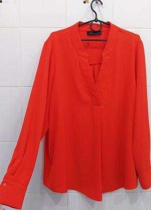 Актуальная красивая шифоновая блуза