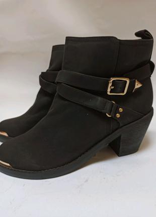 Ботинки (полусапоги). брендове взуття stock
