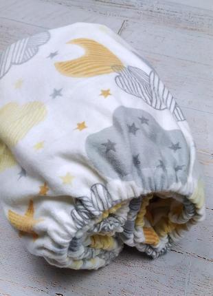 Фланелевая простынь на резинке в детскую кроватку