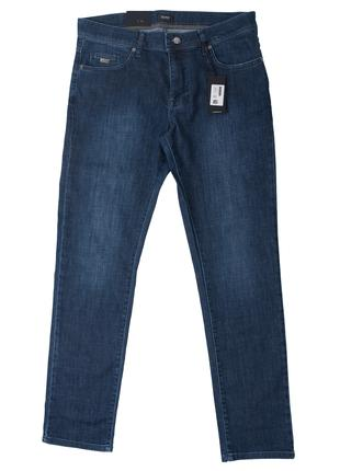 Hugo Boss. Синие классические джинсы