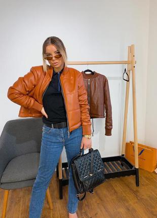 Укороченная куртка из эко кожи