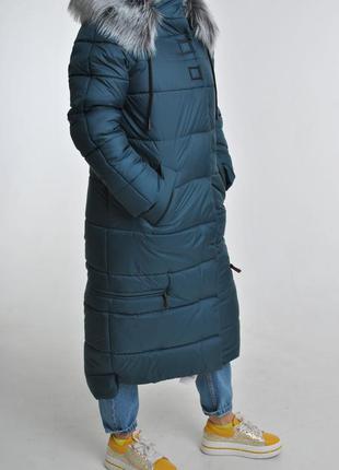 Длинное зимнее пальто пуховик
