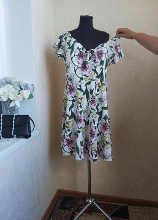 Симпатичное платье dorothy perkins