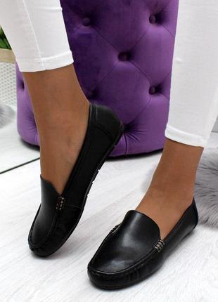Стильные туфли мокасины
