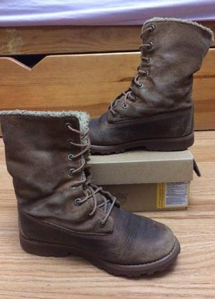 Высокие коричневые ботинки тимберленды на шнуровке