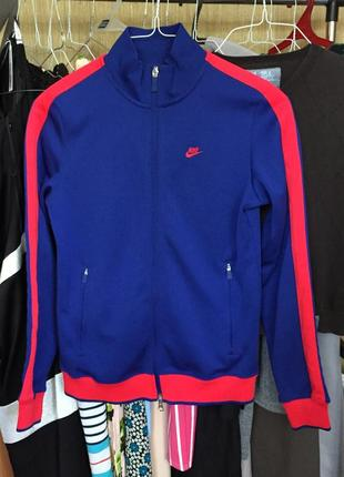 Спортивная синяя кофта олимпийка с красными полосками
