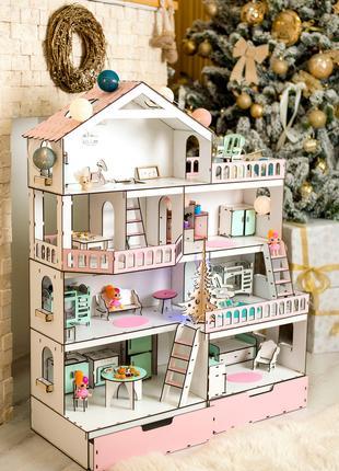 Кукольный домик с мебелью и текстилем.