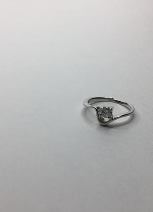Серебряное необычное кольцо волна с камнем 925 проба