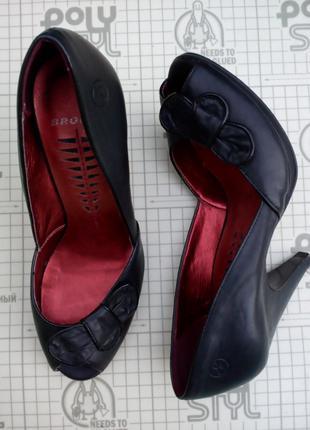 Туфли лодочки черные кожа bronx 36 размер