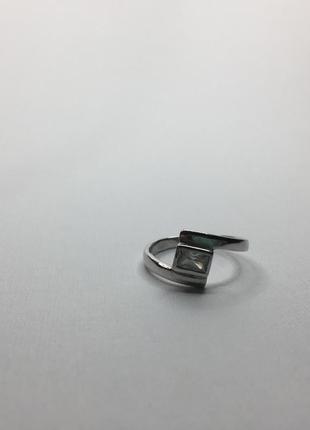 Серебряное оксидированное кольцо с камнем 925 проба квадрат