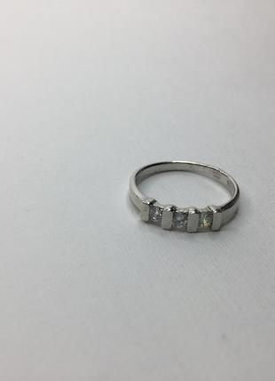 Серебряное кольцо с камнями 925 проба