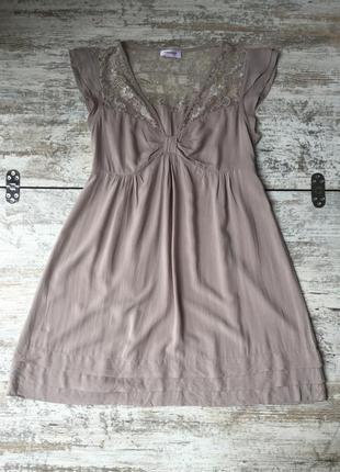 Платье туника с кружевом и оборками