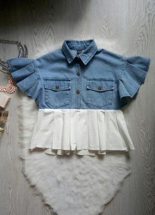 Короткая джинсовая рубашка блуза с карманами рукавами воланами...