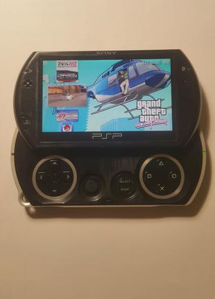 Игровая приставка  Sony PSP Go 16Gb прошитая