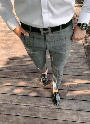 Классические серые мужские брюки в клетку