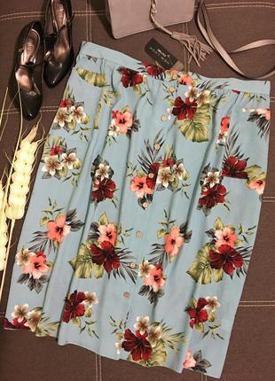 Очаровательная летняя миди юбка на пуговицах большого размера