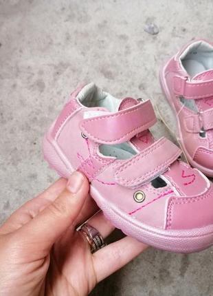 Туфлі спортивні босоніжки на дівчинку