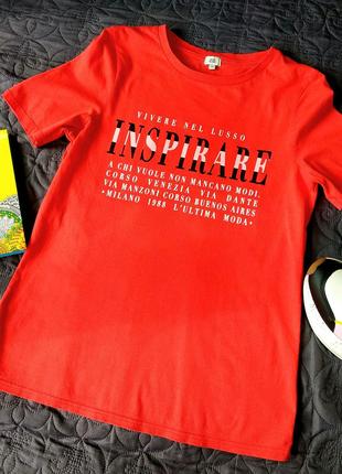 Яркая базовая футболка крутого бренда. River island