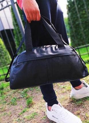 Спортивная сумка, дорожная сумка в спортзал или в путешествие