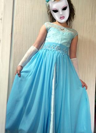 Продам красивое платье 134-146
