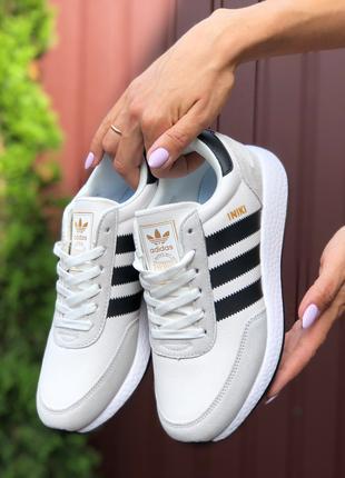 Женские кроссовки Adidas Iniki