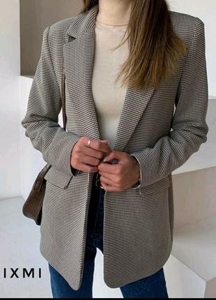 Удлмненный стильный пиджак