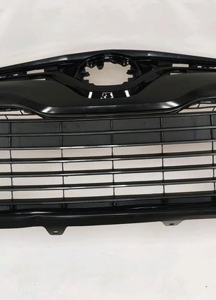 Бампер в заборе на Toyota Camry 70 LE (лицензия)