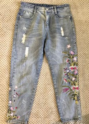 Трендовые джинсы с высокой посадкой с вышивкой /28 размер / / ...