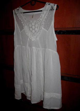 Платье-туника с кружевом белое
