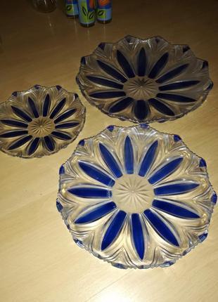 Набор из 3-х пластиковых тарелок сине-прозрачный