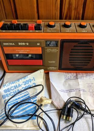 Винтажный кассетный магнитофон Весна 309-2