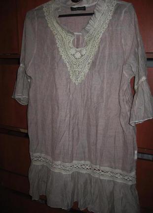 Платье-туника с кружевом бежевое