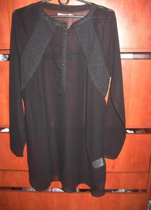 Платье с кружевом черное
