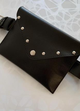 Женская чёрная поясная сумка на пояс