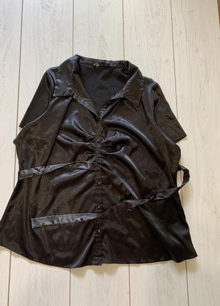 Красивая чёрная блуза с поясом