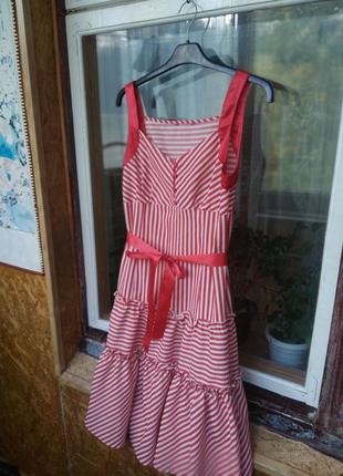 Классное платье с поясом