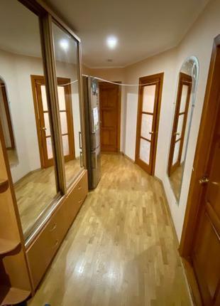 Продажа 3 комнатной квартиры в Центре