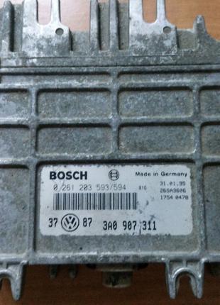 Блок управления двигателя VW Golf III Vento 0261203594 0986262406