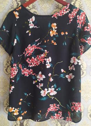 Блуза с красивой спинкой